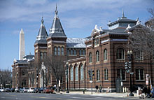 Bild zeigt das Arts and Industries Building der Smithsonian Institution in Washington